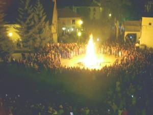 Plaça d'Isil durant la festa de les Falles